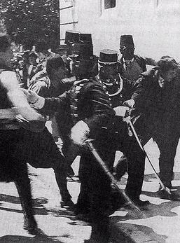 Sarajevo, 28 giugno 1914. L\'arresto di Gavrilo Princip dopo l\'assassinio dell\'arciduca Francesco Ferdinando