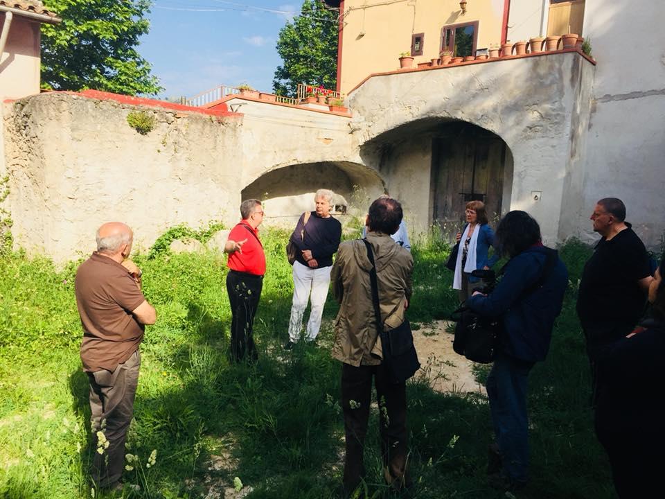 Nel luogo dove sorgeva la Taverna Jacobelli a san Lupo, dove prese il via l'insurrezione del Matese guidata da Carlo Cafiero e Errico Malatesta