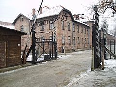 L\'ingresso di Auschwitz