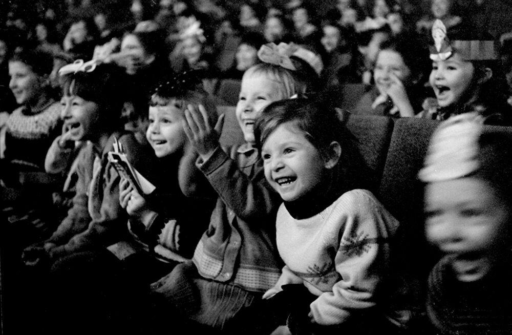 Bambini a teatro da https://pontidivista.wordpress.com/