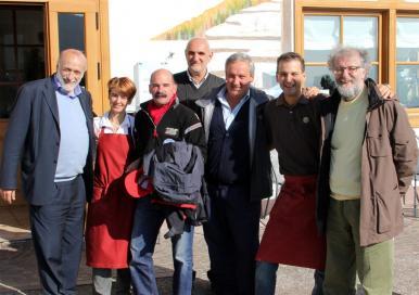 Una foto storica: Pio Rizzolli, Carlo Petrini, Pier Giorgio Oliveti a Grumes