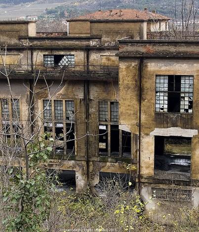 Mori, il vecchio stabilimento della Montecatini