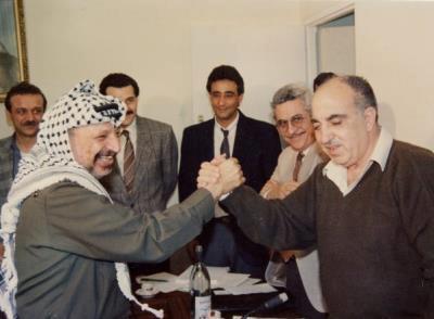 Yasser Arafat, Abu Mazen, Abu Jiad, Ali Rashid in un a foto di trent\'anni fa