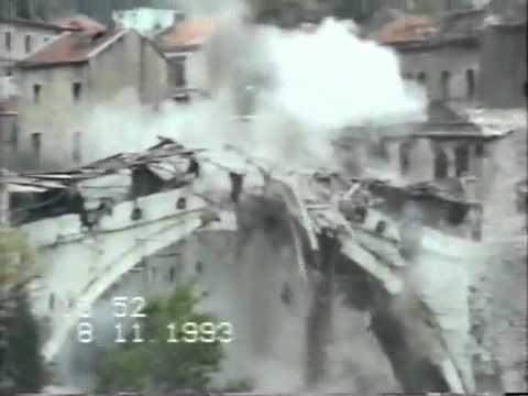 Il primo giorno del bombardamemto del ponte di Mostar