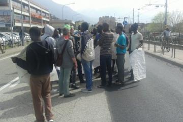 1 aprile 2016, la manifestazione in via Brennero a Trento