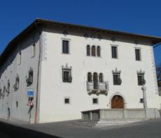 Sanzeno, Casa de Gentili