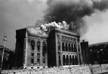 La distruzione della Biblioteca nazionale di Sarajevo