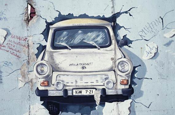 La Trabant e il muro di Berlino